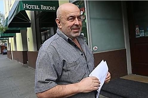 Но возмутилась чешская торговая инспекция. Там справедливо решили, что имеют дело с дискриминацией и оштрафовали Крчмаржа на 50 тыс. крон (примерно 2 тысячи евро).