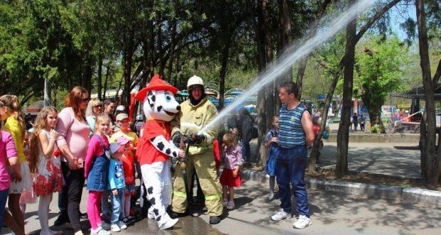 «Водный» праздник безопасности в Детском парке Симферополя