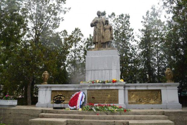 В Симферополе проходят мероприятия, посвященные 75-й годовщине со Дня освобождения города