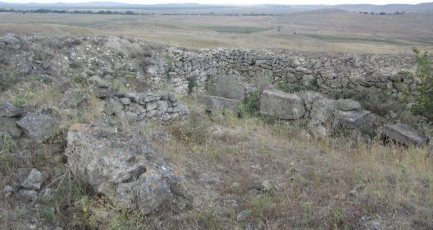 Прокуратура заинтересовалась «черными археологами»-вандалами, орудующими в Ленинском районе Крыма