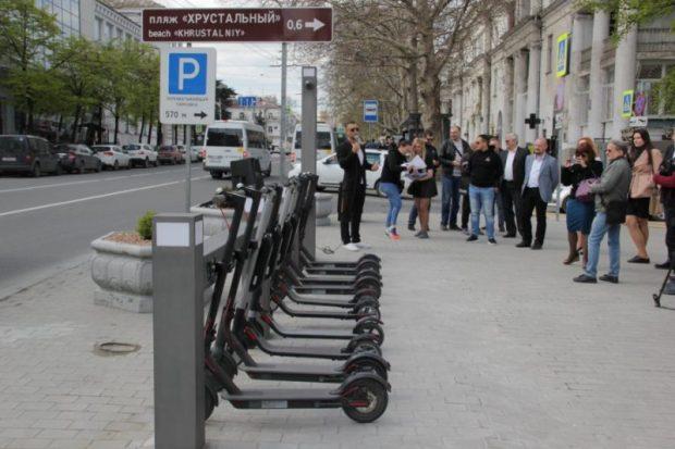 В Севастополе заработала станция проката электросамокатов