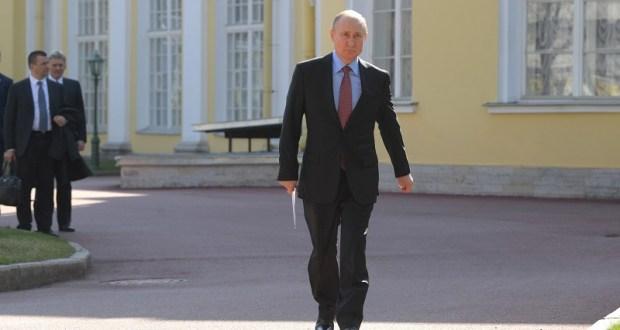 Президент поручил помочь крымским виноделам, военнослужащим, музеям и больницам