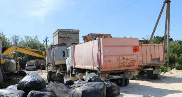 В Феодосии закупили (и установили) свыше сотни новых мусорных контейнеров