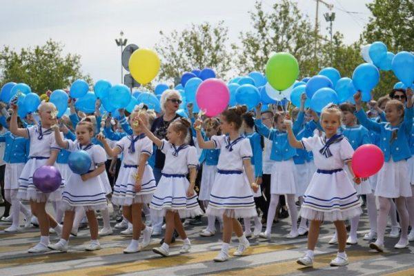 В Севастополе отметили День детства и юности