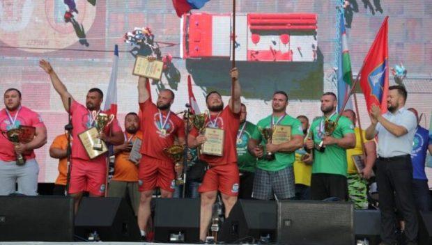Силачи в Севастополе установили абсолютный рекорд России