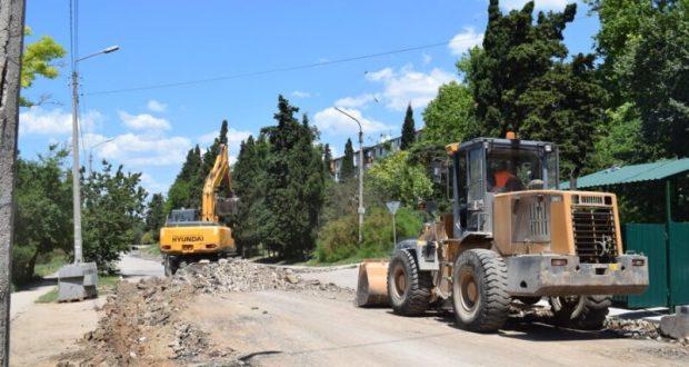 Власти Севастополя дорогу к Херсонесу обещают отремонтировать до 1 ноября текущего года