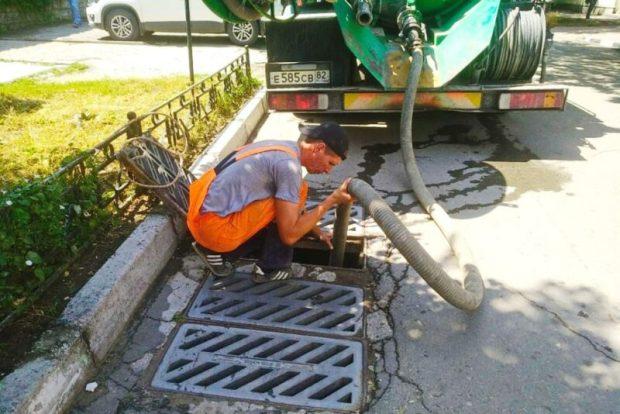 Кто сказал, что ливневой канализацией в Симферополе никто не занимается?