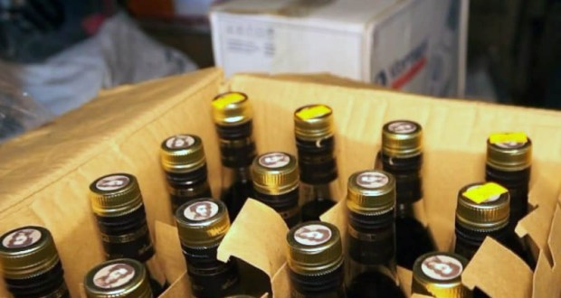 Крупную партию незаконного «элитного спиртного» изъяли в Феодосии