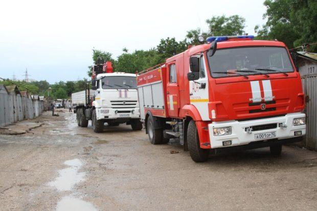 В Севастополе от непогоды сильно пострадали два гаражных кооператива