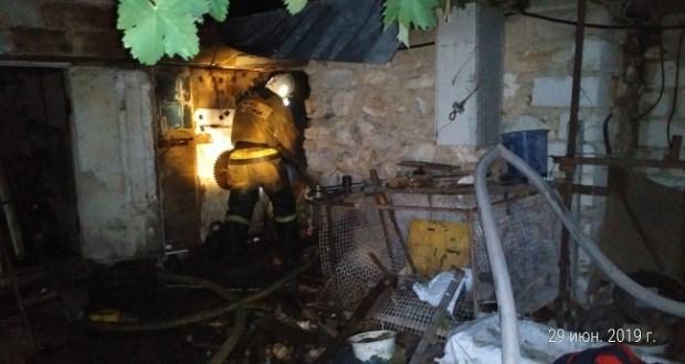 Пожар в с.Тургеньевка. С огнём боролись полтора часа