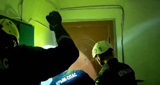 В Судаке спасатели вызволяли из запертой квартиры полуторагодовалого ребенка
