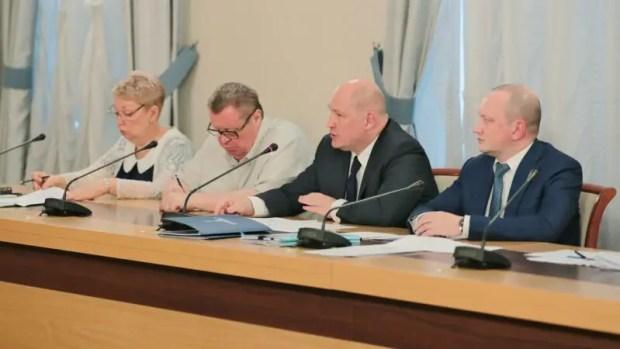 Премьер-министр РФ Дмитрий Медведев провел совещание о реализации нацпроектов в Крыму и Севастополе