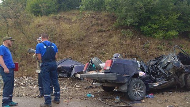 Смертельное ДТП на трассе «Алушта – Судак – Феодосия»: «Жигули» врезались в микроавтобус