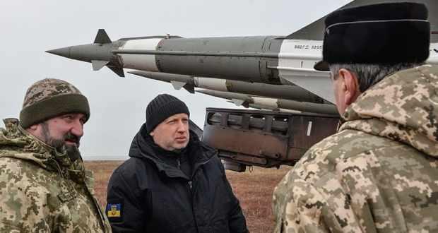 В Киеве пригрозили уничтожить Крымский минут «за несколько минут»
