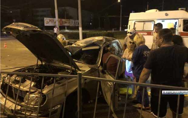 Вечернее ДТП в Керчи: в столкновении отечественных авто двое пострадавших