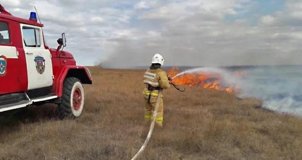 Прошедшие сутки в Крыму - 21 пожар. Горит сухая трава