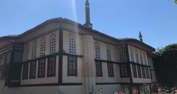 В Совмине Крыма обсудили ход ремонтно-реставрационных работ в бахчисарайском Ханском дворце
