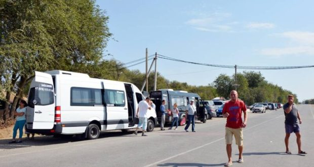 В Крыму – «облава» на перевозчиков-нелегалов. Как проходит операция ГИБДД близ Джанкоя