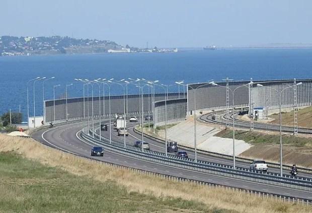 11 и 12 августа дали рекордный трафик автотранспорта по Крымскому мосту