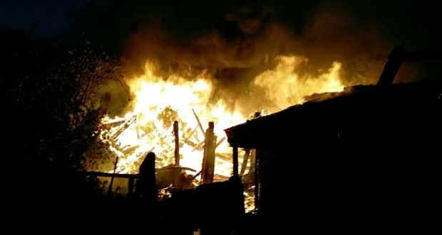 Вечерний пожар в судакском селе Грушевка