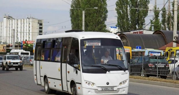 Нахамил водитель автобуса? В минтрансе Крыма говорят: жалуйтесь, «оргвыводы» будут