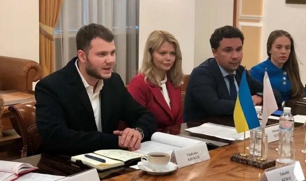 Не прошло и одного дня, а Украина отказалась от идеи возобновления транспортного сообщения с Крымом