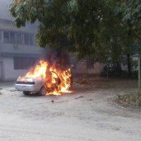 В Крыму горят автомобили. В МЧС говорят - не поджоги, водители виноваты сами