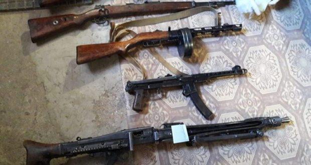 Крымские пограничники изъяли у двух жителей Севастополя арсенал оружия на целый взвод
