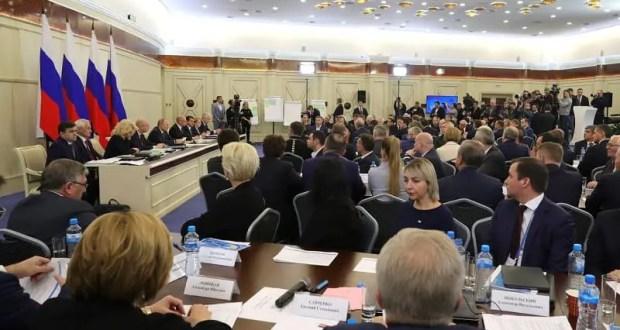 Владимир Путин провел расширенное заседании президиума Госсовета по вопросам здравоохранения