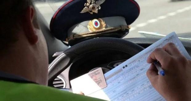 В Севастополе за взятки от водителей осудили двоих полицейских
