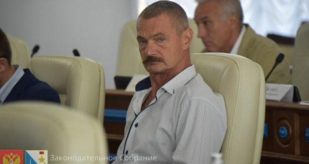 В Заксобрании Севастополя может произойти «замена» депутата. На этот раз – по суду