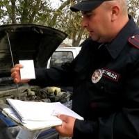 В Крыму у водителя отобрали номерные знаки на авто («привет» от прежнего владельца)