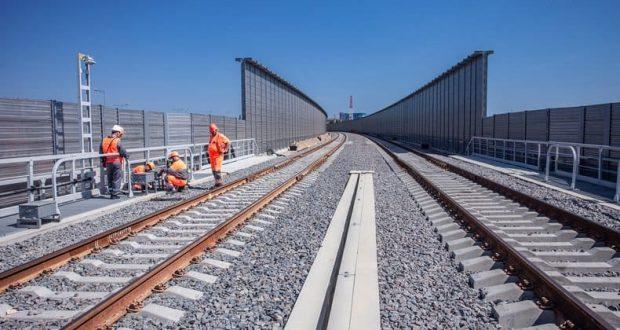 Пассажирские поезда по Крымскому мосту пойдут в декабре, а вот грузовые чуть позднее