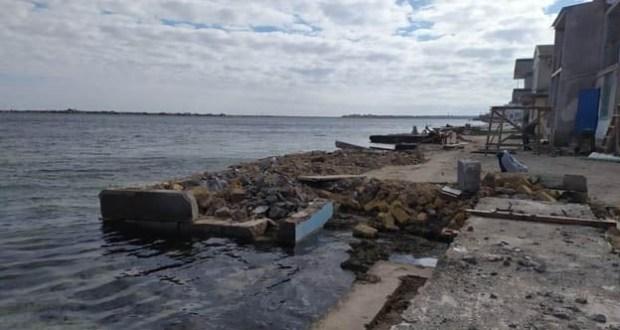 Крымские экологи установили факт сброса строительных отходов в акваторию озера Донузлав