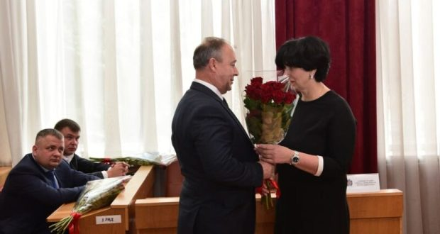 Не шесть, а пять: главе администрации Симферополя согласовали заместителей