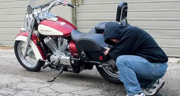 В Бахчисарайском районе полицейские нашли угнанный у местного жителя мотоцикл