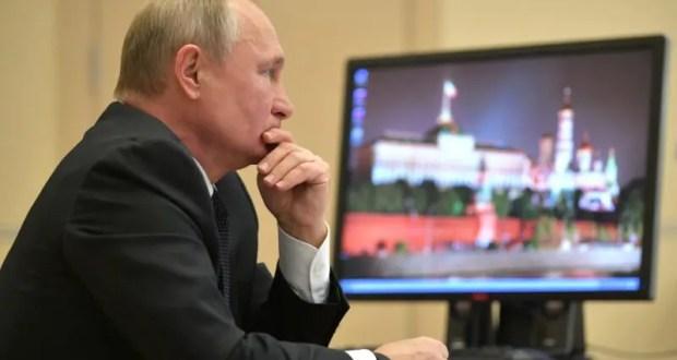 Владимир Путин обсудил с Владимиром Зеленским недавнюю передачу кораблей ВМСУ