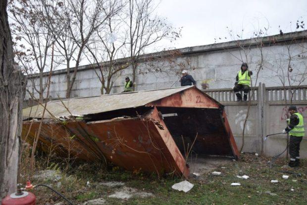 В Евпатории сносят гаражи. До конца года планируют демонтировать 100 объектов