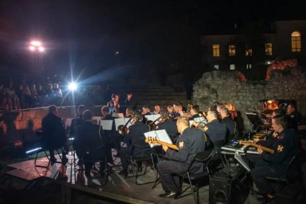 """""""Ночь искусств"""" в Севастополе посетили тысячи гостей"""