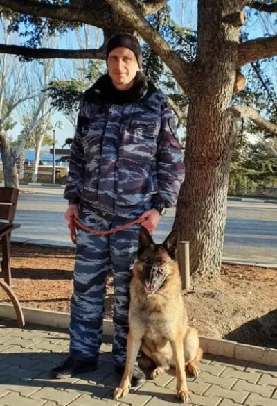 В Феодосии полицейская собака Чара помогла задержать вора, пройдя по его следу более двух километров