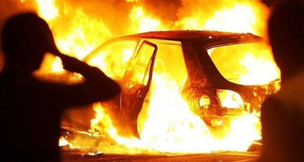 Пожар в Ленинском районе Крыма - дотла сгорел автомобиль