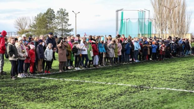 В Саках открыли здание детской поликлиники и спортивное поле