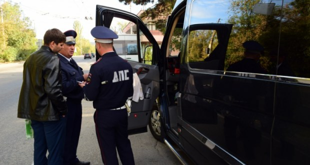 За месяц сотрудники ГИБДД выявили в Крыму 289 нарушений в сфере пассажирских перевозок