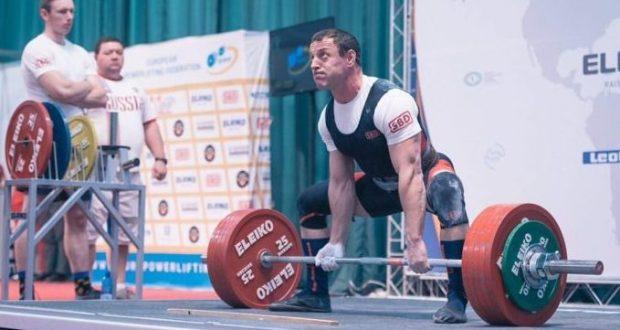 Анатолий Горячок из Севастополя взял золото чемпионата Европы по классическому пауэрлифтингу