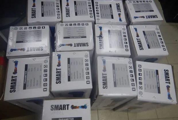 Крымские таможенники не дали вывезти на Украину более 70 гироскутеров и электросамокатов