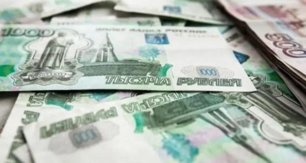 А собутыльник был богат. В Севастополе житель Омска увёл у местного круглую сумму