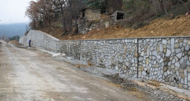 В 2020 году в Симферополе продолжат приводить в порядок подпорные стены