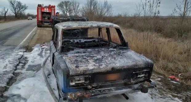В Крыму горят машины: ВАЗы вспыхнули близ с. Новоандреевка и Щёлкино, Мерседес в Красногвардейском районе