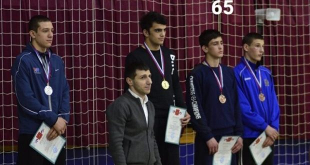 Юные борцы-вольники из Крыма завоевали семь медалей на первенстве ЮФО
