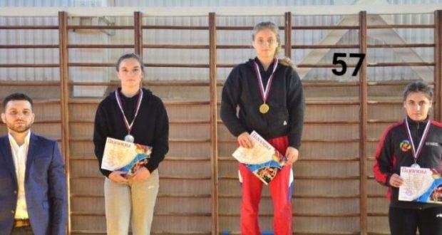 Спортсменки Крыма и Севастополя завоевали шесть медалей чемпионата ЮФО по женской борьбе